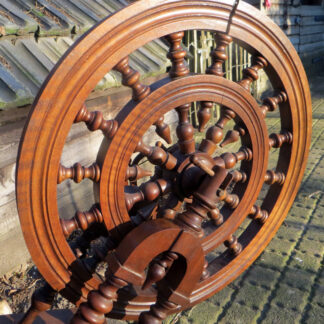 Detail of drive wheel with double rim