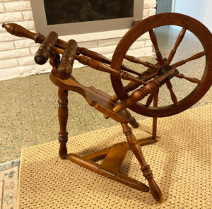 Wheel with the tension system on the tabletop